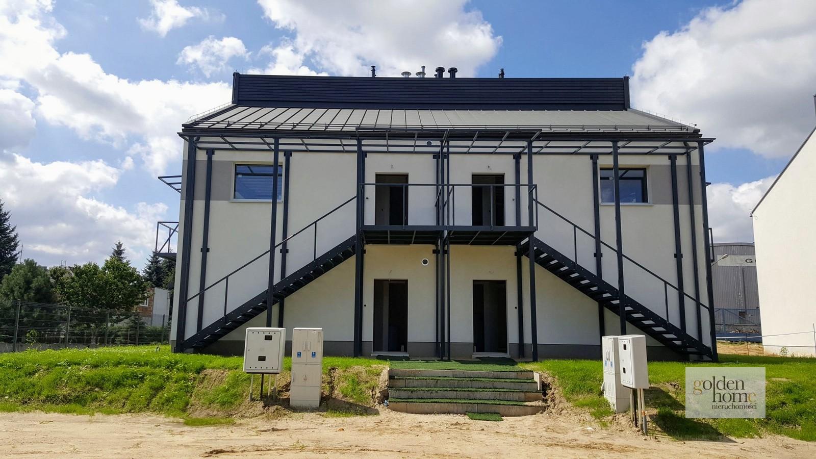 Energooszczędne mieszkanie w zabudowie bliźniaczej z ogródkiem